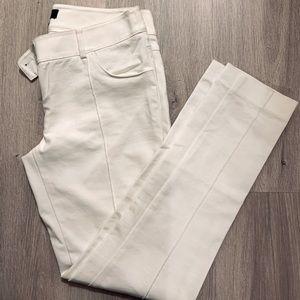 GUESS white pants 🤍 size 6